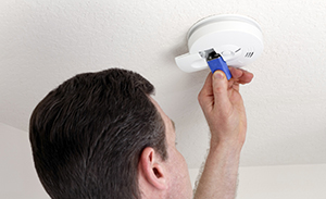 changing battery on carbone monoxide alarm