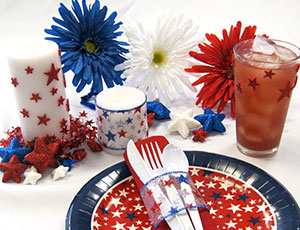 festive fourth of july placesetting and decorations